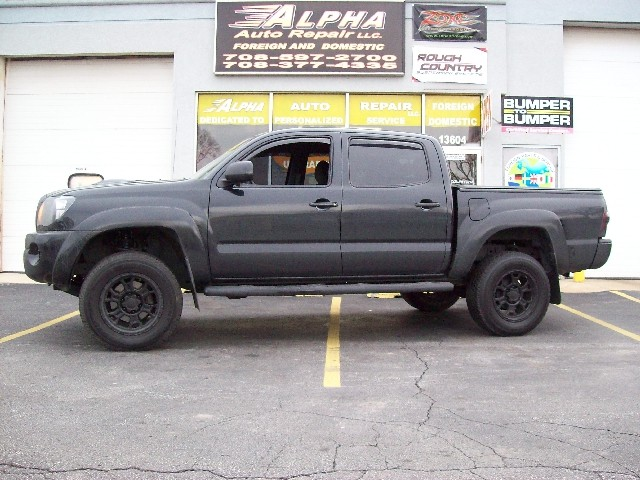 Please note: We only install lift kits on Jeeps, Pickups and SUV's.